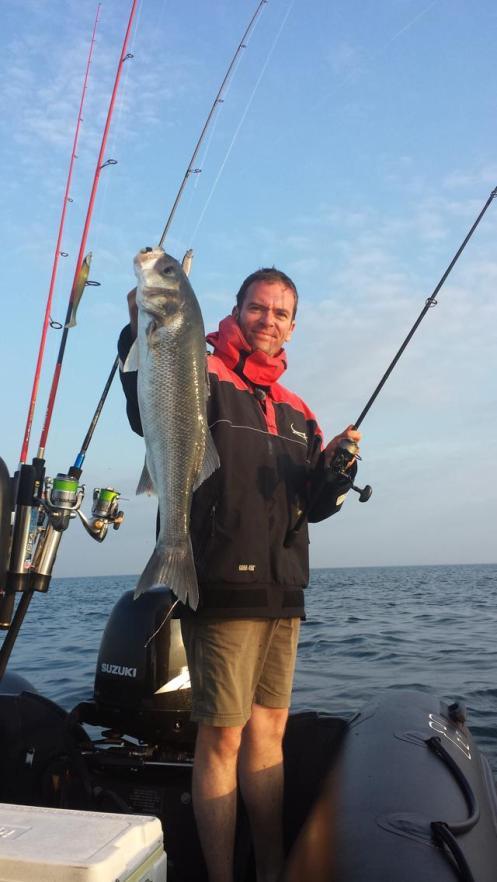 Beau poisson au X layer piqué à 80m derrière le bateau